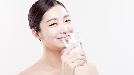 Питье водородной воды фото